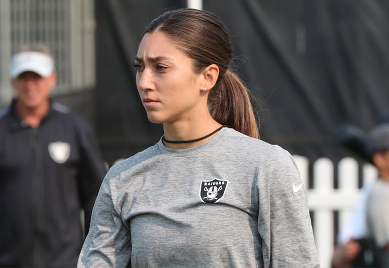 Assistant coach Kelsey Martinez during Raiders' training.